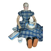 Small toiletries for fashion dolls