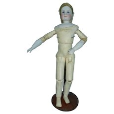 German Bisque Fashion doll by Simon et Halbig for the French market. taille 4