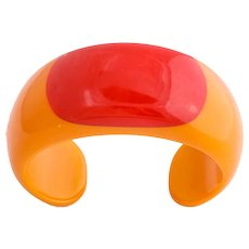 Vintage Deco Large Bakelite Cuff with Enormous Red Dot