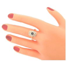 Lovely Antique 18K Gold Platinum Sapphire Diamonds Ring