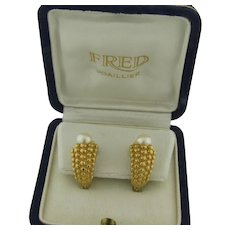 Fred Joaillier 18K Gold and 7mm Cultured Pearls Earrings Signed FRED 750