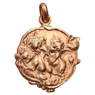 Superb 18K Gold Art Nouveau Locket Nude Lady Kissing a Cherub