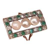 Unique Platinum 18K Gold Art Deco Ring Set with 3 Ocean Pearls, Emeralds and Diamonds