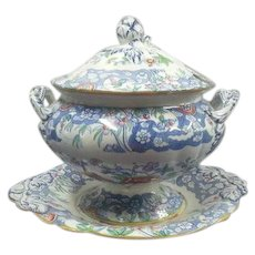 A Minton D'Orsay Japan Pattern Soup Tureen, Cover and Stand