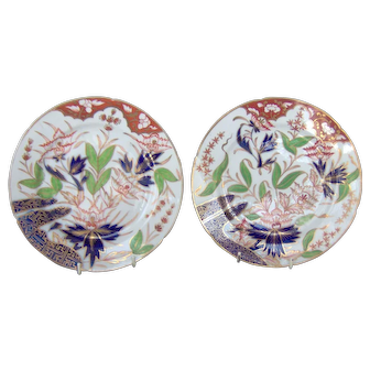 A Pair of Early Coalport Plates in the Finger and Thumb pattern