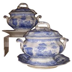 """A Pair of Blue and White Transfer Printed Sauce Tureens in the """"Antiques"""" Pattern."""