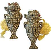 Vintage Set Pair Of LN/25 Nemo Art Deco Urn Shape Dress Clips Tagged On Original Card