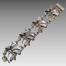 Sterling Silver Retro Vintage 1940's Wide Floral Leaf Curved Link Bracelet
