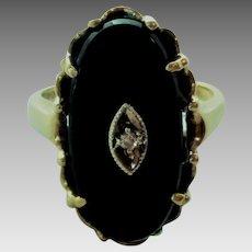 Vintage 10K Gold Black Onyx Diamond Accent Ladies Ring Size 6