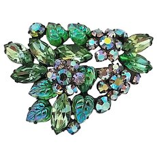 Vintage Peridot Colored Green Rhinestone Carved Glass Leaves Pin Brooch