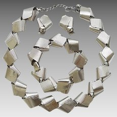Vintage Napier Sterling Silver Ribbed Twisted Ribbon Necklace Bracelet Clip Earrings Set