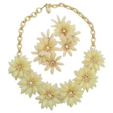 Vintage Coro Cream Ivory Color Soft Plastic Flower Floral Necklace Earrings Set