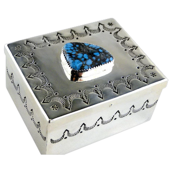 Native American Kingman Turquoise Silver Pills Box  1970's Collectable
