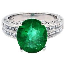 5.28CT Natural Colombian Emerald and Diamond 18KT White Gold Ring