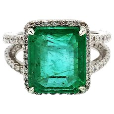 9.13CT Natural Colombian Emerald and Diamond 14KT White Gold Ring