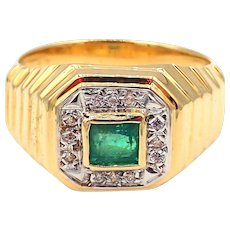 Colombian Emerald and Diamond 18KT Yellow Gold Men's Ring