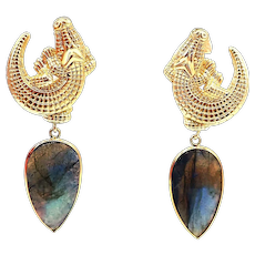 35 CT Labradorite Alligator Earrings in 14KT Yellow Gold