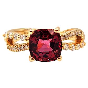 2.67 CT Amazing Natural Pink Spinel and Diamond Ring in 14KT Yellow Gold