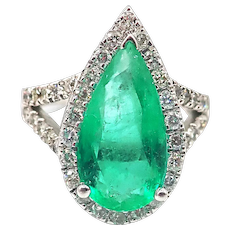 3.4CT Natural Colombian Emerald and Diamond 18KT White Gold Ring