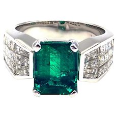 3CT Natural Colombian Emerald and 2 CT Diamonds 18KT White Gold Ring