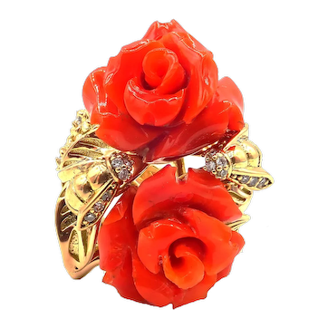 Italian Red Coral Flowers Diamond Bees Ring in 18KT Yellow Gold