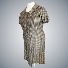 Comfortable Day-Dress for the Curvy Lady