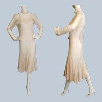 Downton Abbey-Style Lace Beauty