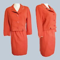 Jackie-OOOOH Stunning 1960's RED Suit