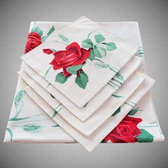 Everything's Coming Up ROSES, Vintage Tablecloth and Napkin Set