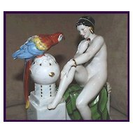 Deco Katzhutte Nude and Parrot #1