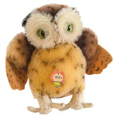 "STEIFF WITTIE OWL 1959; Medium 5-1/2"" Tall x 6"" Wide; Mohair, Glass Eyes , 4314,0"