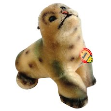 "4310 STEIFF Seal Robby;5"" Tall; 1959: Sitting-up Position, Grey and Beige Mohair, Grey felt ears, Black Plastic Eyes"