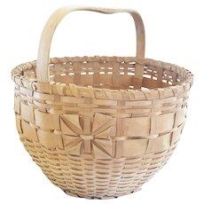 """Vintage Primitive American Folk Art 14"""" Diameter Splint Basket with Unique Woven """"Bow"""""""