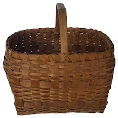 Large Vintage Northeast Native American Gathering Basket