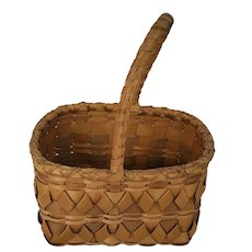 Diminutive Vintage Northeast Native American 4-Color Gathering Basket