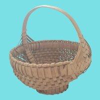 Unusual Vintage Primitive Folk Art Gathering Basket w/Pedestal Bottom