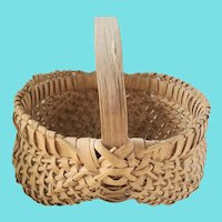 """Small 7 1/4"""" Diameter Vintage Buttocks Basket from my Collection"""
