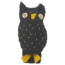 Tiny Vintage Mid 20th C. Folk Art Owl Emery Pin Cushion