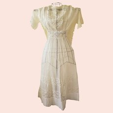Beautiful Antique Edwardian White Sheer Cotton & Wide Panel Lace Day Dress