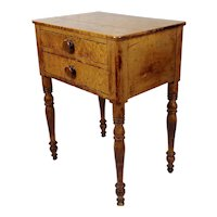 18th century Beautiful English Satinwood 2 drawers bedside table
