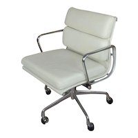 """Herman Miller """"Soft Pad"""" Management Chair -Vicenza Leather-Cream"""