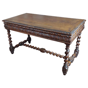 19th century Antique English Dining Table with Barley Twist Legs