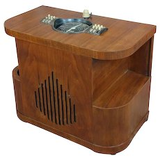 Zenith Beautiful Vintage Chairside tube Radio
