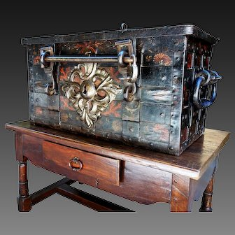 17th C Nuremberg chest polychrome with its bar