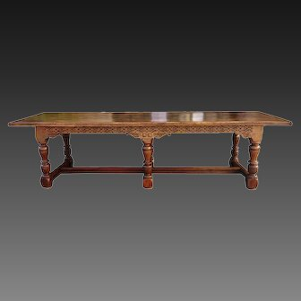 19th Century Presentation Table in oak, 118 inches