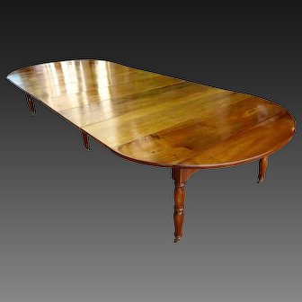 18th C French Large table in walnut with extensions, Jacob feet