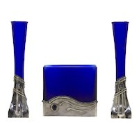 Contemporary  Signed Garniture Set 3 Hand-Crafted 925 Silver and Deep Blue Glass Vases, David Barak, H 20 cm