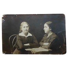 Antique 1920 B&W Sepia Studio Photo Two Jewish Girls, Russia, Handwriting, 8.8 x 13.9 cm