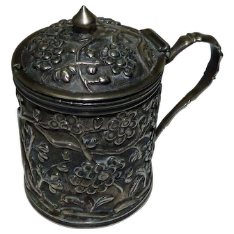 Antique Chinese Export Silver 900 Mustard Vessel, Marked 90HO, Repousse Flora Decorations, H 6 cm