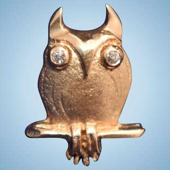 Vintage Mid Century Modern figural Owl tie tack lapel pin 14kt gold diamond eyes bird